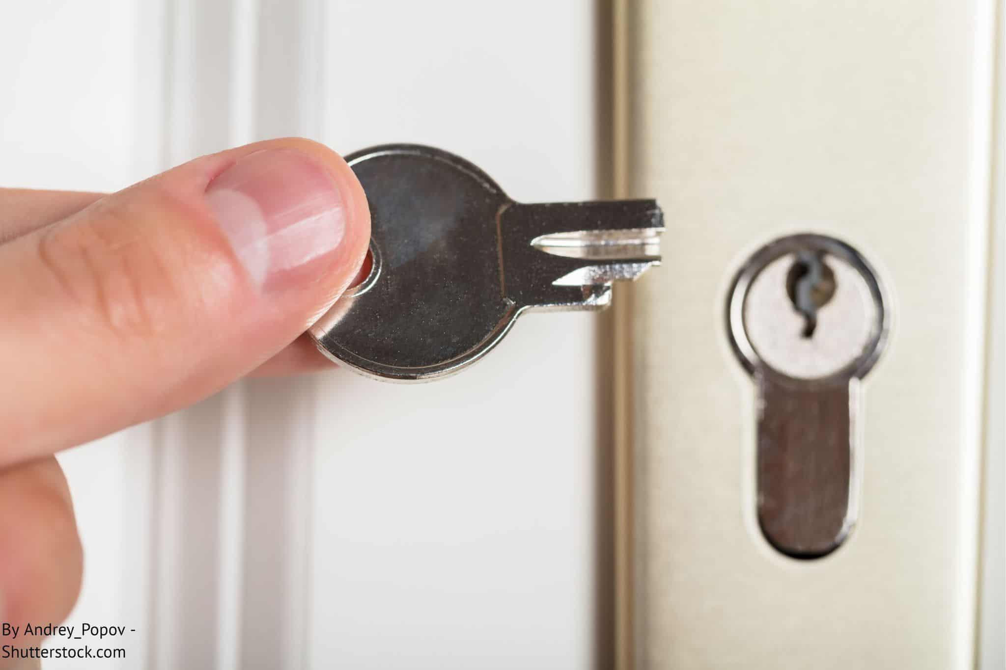 έσπασε το κλειδί στην κλειδαριά