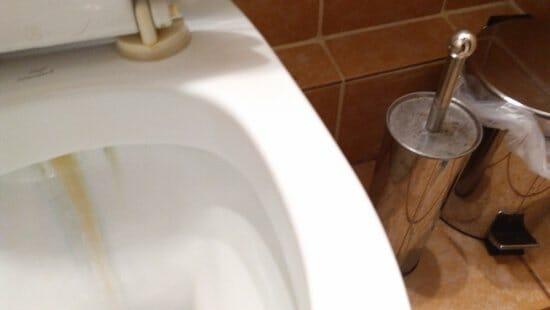 απαλλαγείτε από την σκουριά στην λεκάνη της τουαλέτας